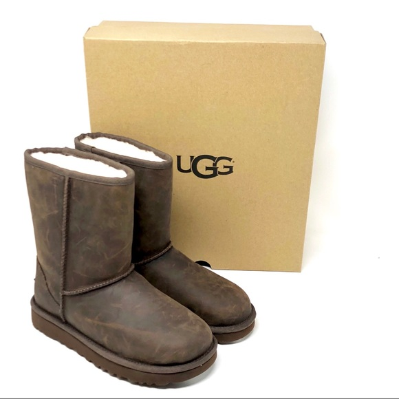 14ffb5599e8 UGG Classic Short Leather Brownstone Surf Original NWT